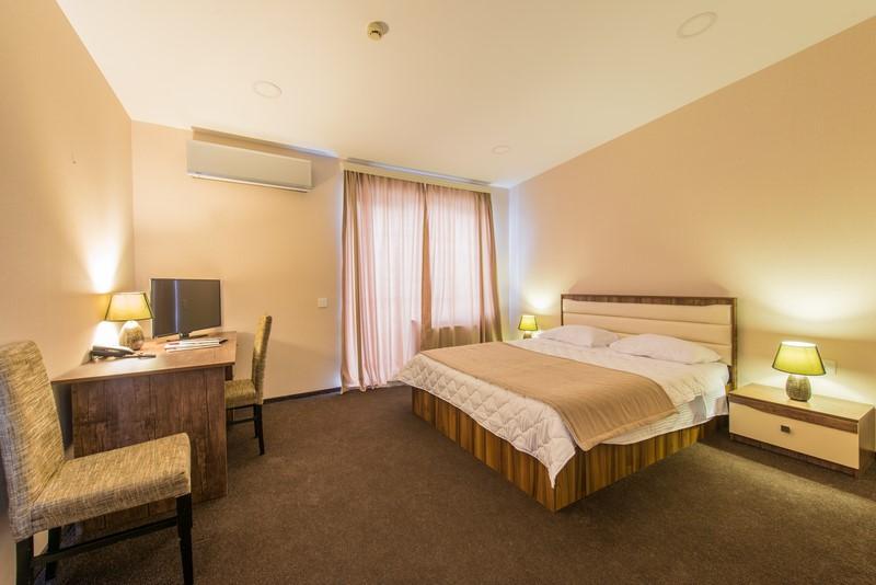 double bedroom hotel bed hire